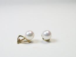 585er goldene Ohrclips mit runden, weißen Perlen höchster Qualität, 7,5mm -8,5mm