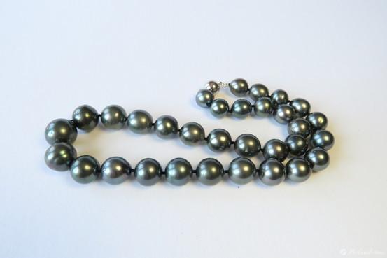 Perlen grau