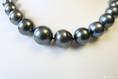 dunkle Perlen