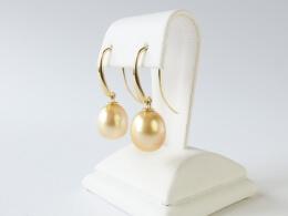 Große elegante Ohrhaken mit goldenen Südsee Perlentropfen