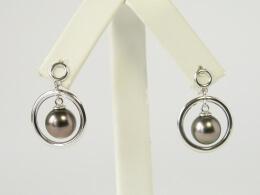 Gelungenes Design für das Ohr aus Perlen und Ringen