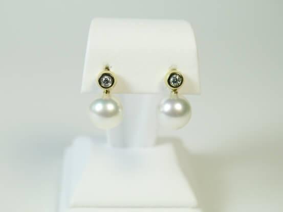 Ohrringe mit Südseeperle und Diamant