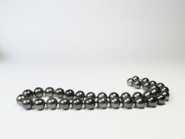 Besonderes Angebot: Kette mit runden, dunklen Tahitiperlen, 10,8-12,5mm
