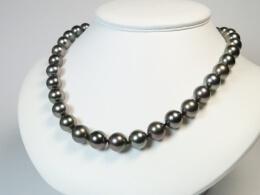Tahiti Collier mit glanzvollen Perlen, 10,1-12mm, AA+/AAA