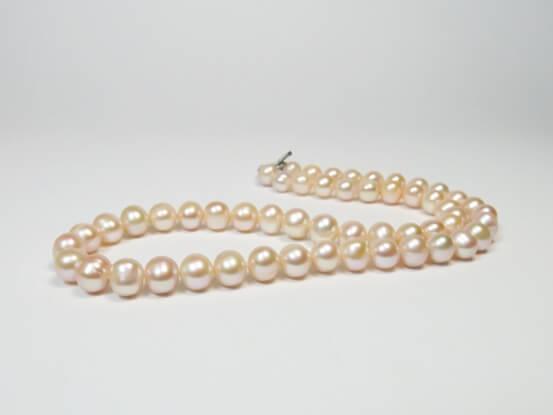 roséfarbene Perlen