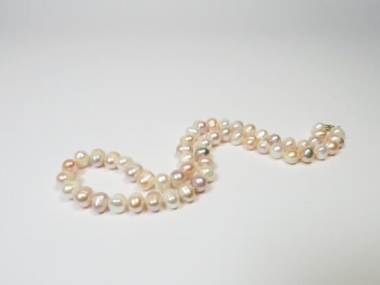 Perlenkette bunt