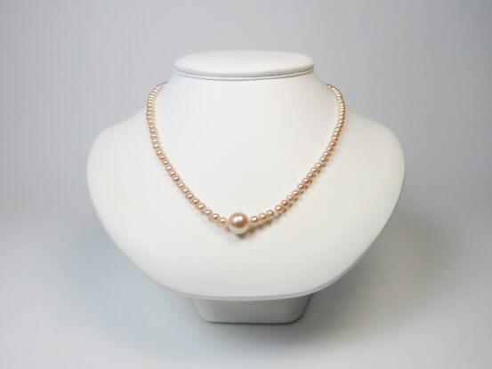Perlenkette pfirsich