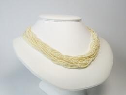 Außergewöhnliches Collier mit kleinsten Perlen