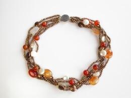 5-Strang Perlenkette mit Münzperlen, Saatperlen und Achat