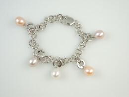 Bettelarmband mit edlen Perlenclip Anhängern