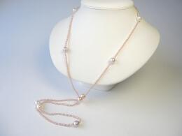 90cm lange Kette aus kleinen und großen runden Perlen