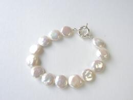 Armband aus kreisrunde Münz-Perlen