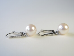 Weiße Akoyaperlen Diamant Ohrhänger, 8-9 mm