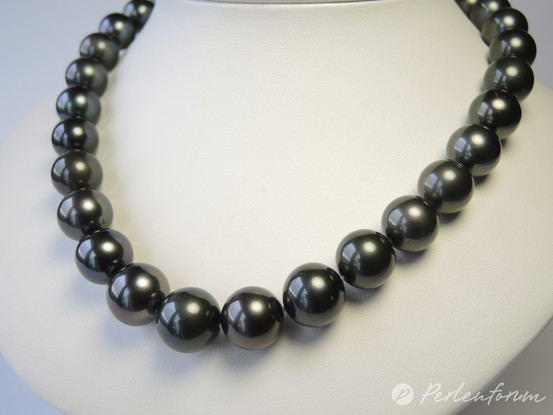 grosses Collier