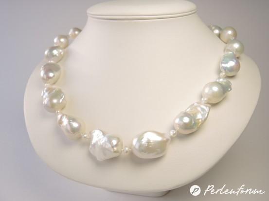Perlenkette barock