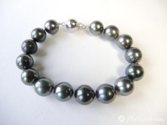 Perlenarmband grau